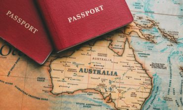 أستراليا تتوصل إلى اتفاق بقيمة (2ر1 مليار دولار أمريكي) للحصول على تطعيم جماعي مجاني للأستراليين