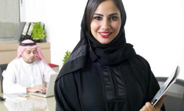معدّلات توظيف المرأة ترتفع في الإمارات بعد إعادة فتح القطاعات الاقتصادية فيها
