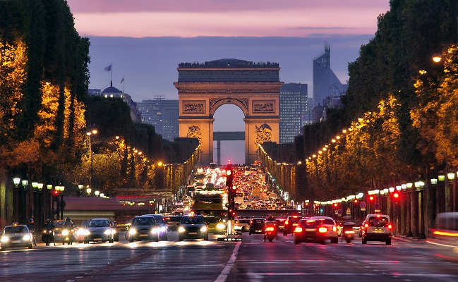 إجراءات حظر التجول الجديدة تكلف الاقتصاد الفرنسي أكثر من ملياري يورو