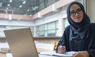 دبي للسياحة: برنامج «مضياف» يدرّب المواطنين عبر «التعلّم عن بُعد»