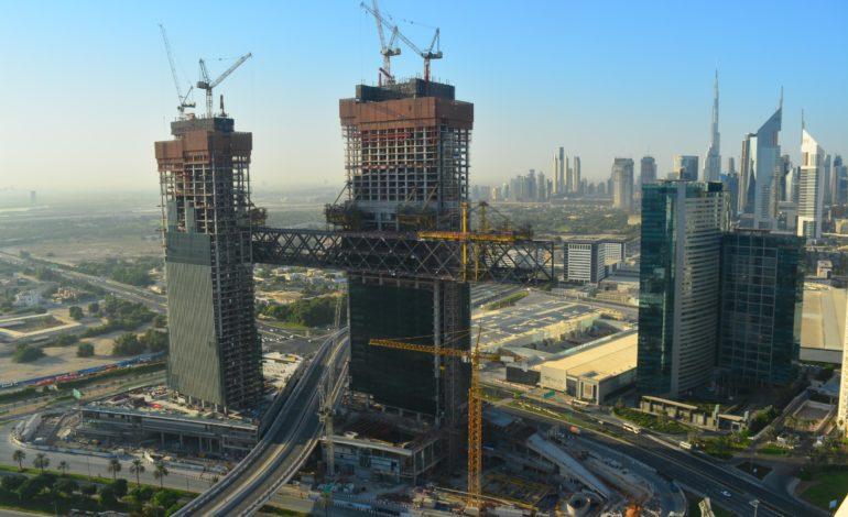 """إثراء دبي"""" تنجز بناء هيكل """"ذا لينك"""" في """"ون زعبيل""""، وتسعى لتحطيم الرقم العالمي لأطول برج معلق """""""