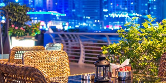 رغم التداعيات السلبية لأزمة كوفيد-19، يركز رواد الأعمال في الإمارات العاملين بقطاع الأغذية والمشروبات جهودهم لمواجهة تحديات الوضع الحالي