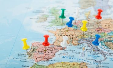 """""""كوفيد 19 """"يوقف الانتعاش في المنطقة الاقتصادية الأوروبية"""