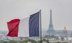 فرنسا تؤكد تحصيل ضرائب على (عمالقة الإنترنت) رغم التهديدات الأمريكية