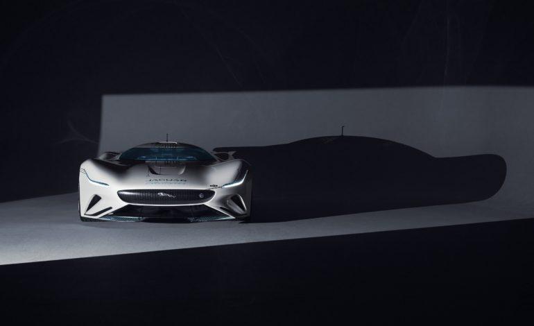 """جاكوار """"فيجن جي تي إس ڤي"""": سيارة ألعاب سباقات التحمل الفائقة الكهربائية بالكامل"""