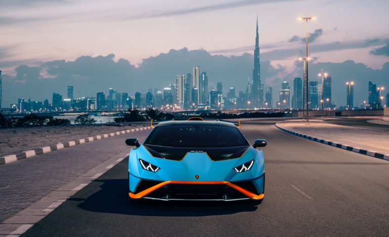 إزاحة الستار في دبي تشكّل الظهور الأول لسيارة 'لامبورغيني هوراكان STO' في الشرق الأوسط