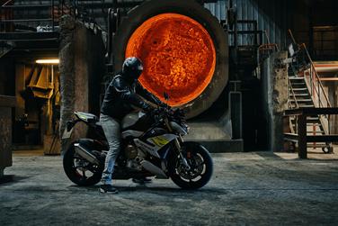 من BMWالدراجة النارية الجديدة S 1000 R