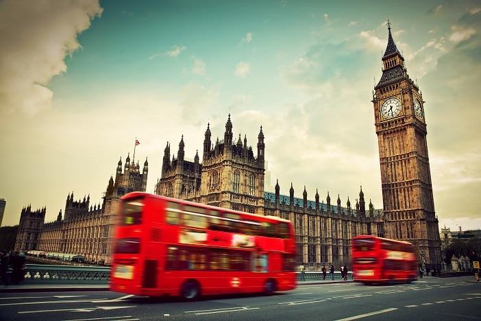رئيس الوزراء البريطاني يحث بايدن على إبرام اتفاق تجاري جديد