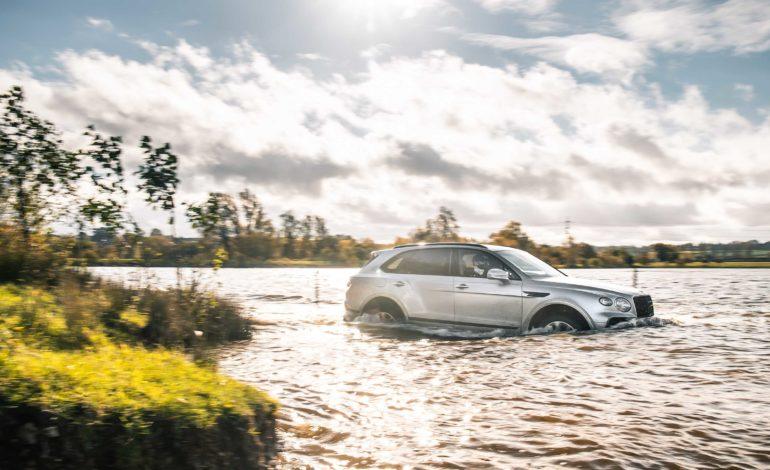 Bentayga V8 تكسب لقب أكثر SUV فخامة للعام