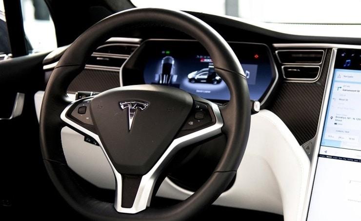 تسلا تبدأ بيع سيارة رياضية كهربائية متعددة الاستخدامات