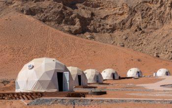 """""""شروق"""" تعلن عن إنجاز 75% من نزل القمر في صحراء مليحة"""
