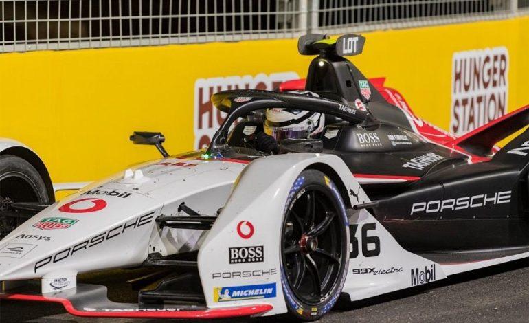 """الهولندي """"دي فريز"""" بطلٌ للجولة الافتتاحية من سباق فورمولا إي الدرعية 2021"""