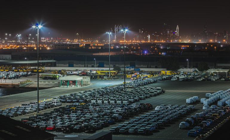 """شراكة بين """"جيفكو"""" الإمارات في الشرق الأوسط وموانئ دبي العالمية-إقليم الإمارات، لتقديم حلول تخزين السيارات في جبل علي"""