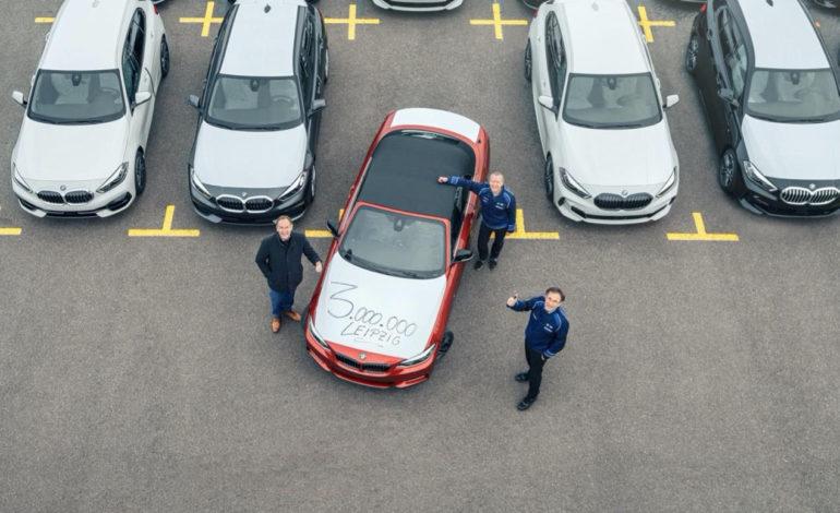 ثلاثة ملايين سيارة صنعت في لايبزغ  إنجاز جديد في تاريخ المصنع مع تسليم سيارة من طرازBMW 2 Series Convertible