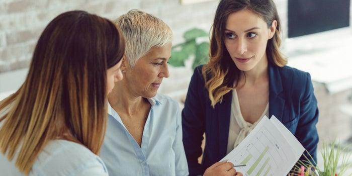 10 تدابير لتحسين الاتصال الداخلي لفريق العمل