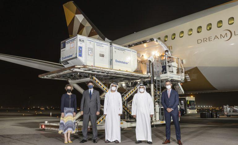 أبوظبي هي الأولى في العالم التي تستلم الشحنة الأولى من علاج كوفيد 19 الجديد من شركة GSK