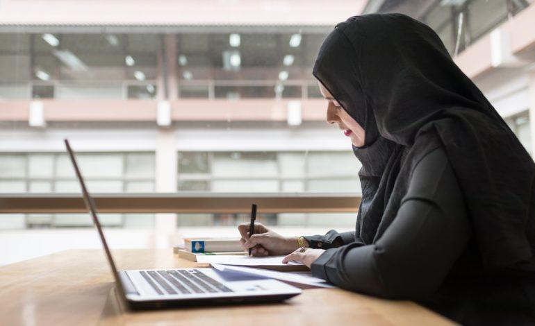 أكاديمية بي دبليو سي تطرح أول شهادة للموارد البشرية باللغة العربية على مستوى المنطقة في الإمارات
