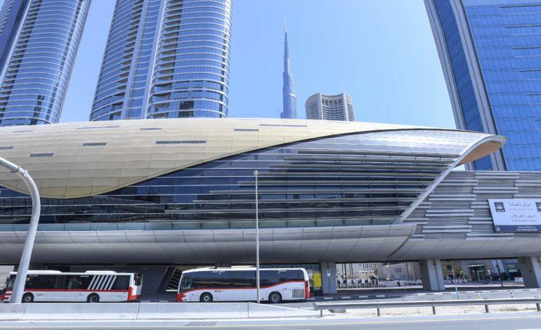طرق دبي توظف الذكاء الاصطناعي للارتقاء بخدمة الحافلات