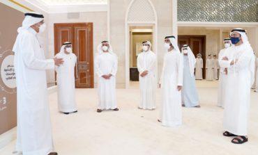 """محمد بن راشد يشهد تخريج مجموعة من رواد الأعمال ضمن """"برنامج تطوير الشركات الناشئة"""" في كليات التقنية العليا"""