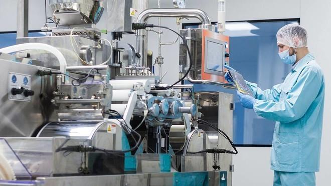 أكثر من 10 آلاف مصنع في المملكة تتوزع على 16 قطاعاً صناعياً إستراتيجياً