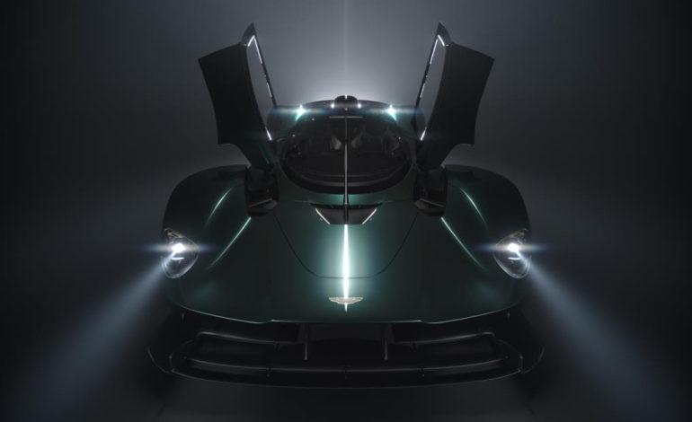 أستون مارتن تحتفل بالذكرى السبعين لأول سيارة رياضية في معرض كونكورس دي إليجانس