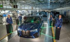 البدء بإنتاج سلسلةBMW iX* في مصنع دينجولفينج