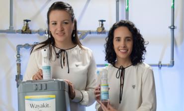 """قصص من برنامج """"تقدم"""": تعمل شركة Wayakit الناشئة في مجال التكنولوجيا الحيوية على إنشاء منتجات عضوية غير سامة من شأنها أن تجعل السفر أكثر أمانًا"""