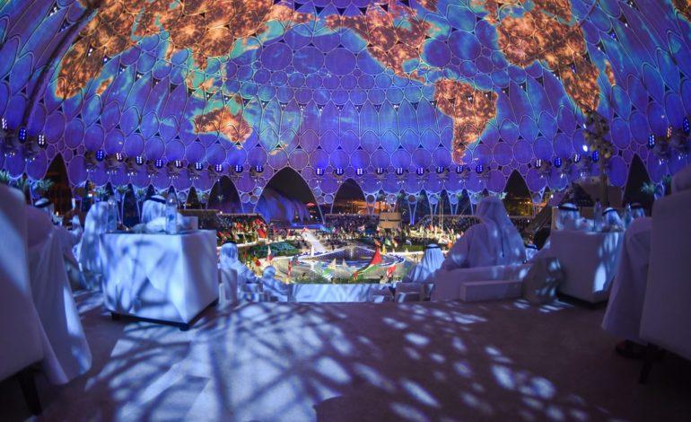 """أنور قرقاش : """"إكسبو 2020 دبي"""" يمثل منصة للاحتفاء بالتعاون الإنساني ويجسد قدرة العالم على تخطي التحديات"""